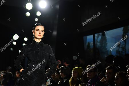 Stock Picture of Blanca Padilla on the catwalk