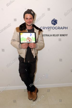 Exclusive - Shiloh Fernandez with a Cryptograph 'Doodle for Dollars'