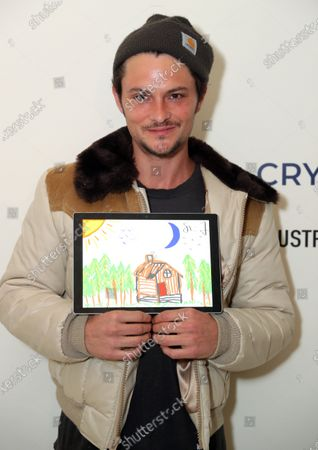 Stock Picture of Exclusive - Shiloh Fernandez with a Cryptograph 'Doodle for Dollars'