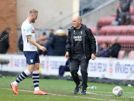 8th February 2020; DW Stadium, Wigan, Greater Manchester, Lancashire, England; English Championship Football, Wigan Athletic versus Preston North End; Preston North End manager Alex Neill reacts towards Jayden Stockley of Preston North End