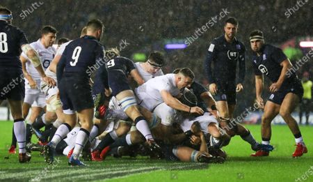 Ellis Genge of England scores the crucial try and Ben Earl of England celebrates