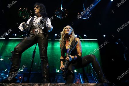 Alice Cooper and Nita Strauss