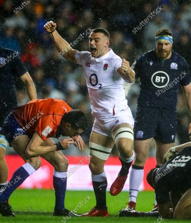 Scotland vs England. England's Ben Earl celebrates Ellis Genge's try
