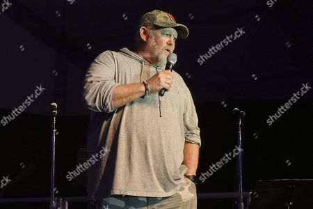 Stock Photo of ' Larry the Cable Guy ' tells jokes at the half time Volunteer party on the second day of the AT&T Pro-Am PGA Golf event at Pebble Beach