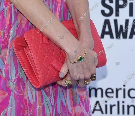 Naomi Watts, bag detail