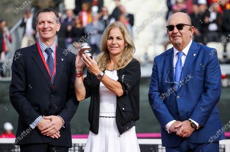Stock Picture of Arantxa Sanchez Vicario receiving the Commitment Award