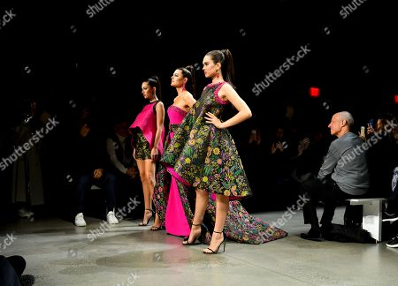 Lisa Rinna, Delilah Hamlin and Amelia Gray Hamlin on the catwalk
