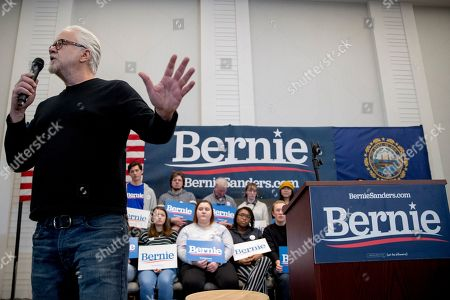 Actor Tim Robbins speaks before introducing Democratic presidential candidate Sen. Bernie Sanders, I-Vt., to speak at a campaign stop at the Hanover Inn Dartmouth, in Hanover, N.H