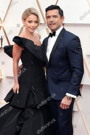 Kelly Ripa and Mark Consuelos arrive during the 92nd annual Academy Awards ceremony at the Dolby Theatre in Hollywood, California, USA, 09 February 2020. The Oscars are presented for outstanding individual or collective efforts in filmmaking in 24 categories.