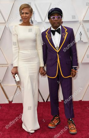 Tonya Lewis Lee, Spike Lee. Tonya Lewis Lee, left, and Spike Lee, dressed in in a jacket in honor of late Kobe Bryant, arrive at the Oscars, at the Dolby Theatre in Los Angeles