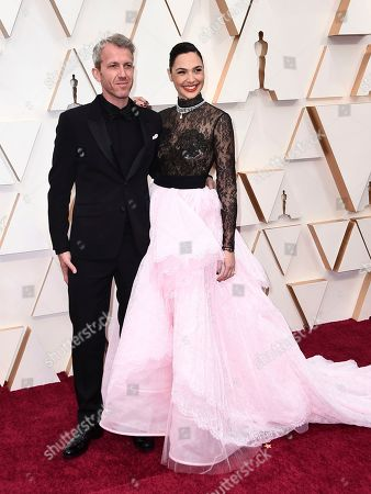 Yaron Varsano, Gal Gadot. Yaron Varsano, left, and Gal Gadot arrive at the Oscars, at the Dolby Theatre in Los Angeles