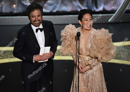 Ray Romano, Sandra Oh. Ray Romano, left, and Sandra Oh presents the award for best makeup and hairstyling at the Oscars, at the Dolby Theatre in Los Angeles