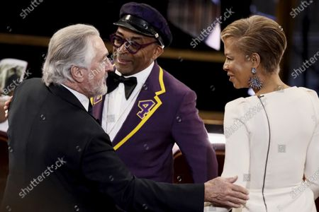 Robert De Niro (L), US director Spike lee (C) and his wife US producer Tonya Lewis Lee interact during the 92nd annual Academy Awards ceremony at the Dolby Theatre in Hollywood, California, USA, 09 February 2020. The Oscars are presented for outstanding individual or collective efforts in filmmaking in 24 categories.