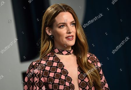 Riley Keough arrives at the Vanity Fair Oscar Party, in Beverly Hills, Calif