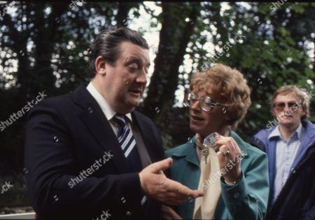 Renee Roberts killed in car crash. Bryan Mosley (as Alf Roberts) and Madge Hindle (as Renee Roberts)