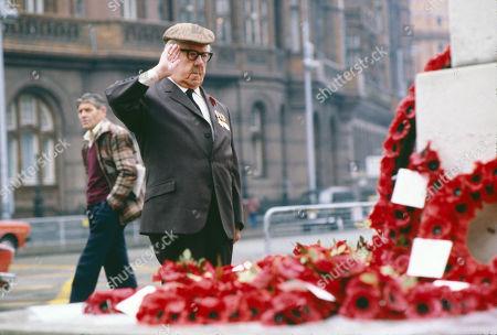 Jack Howarth (as Albert Tatlock) remembering fallen comrades on Remembrance day.