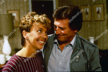 Maggie Dunlop tells Mike she is pregnant. Jill Kerman (as Maggie Dunlop) and Johnny Briggs (as Mike Baldwin)