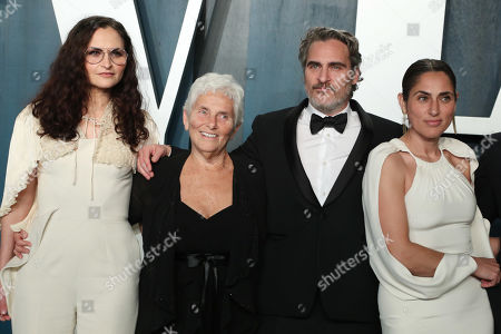 Rain Phoenix, Joaquin Phoenix and Summer Phoenix with their mother Arlyn Phoenix