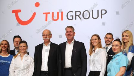 The CEO of German TUI Group, Friedrich Joussen (5-R) and the chairman of the TUI supervisory board Dieter Zetsche (4-L), before the annual general meeting of TUI Group in Hanover, northern Germany, 11 February 2020. TUI stock has lost about 20 percent during the last quarter.
