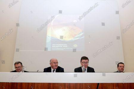 Stadium and Commercial Director Peter McKenna, Ard Stiurthoir Tom Ryan, Uachtaran John Horan and Director of Finance Ger Mulryan