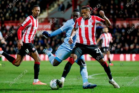 Leeds United forward Jean Kevin Augustin (29), on loan from Red Bull Leipzig, with a shot during the EFL Sky Bet Championship match between Brentford and Leeds United at Griffin Park, London