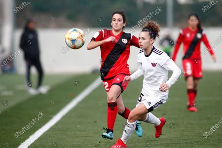 Esther Martin Pozuelo of CD Tacon and Patricia Hidalgo of Rayo Vallecano in action