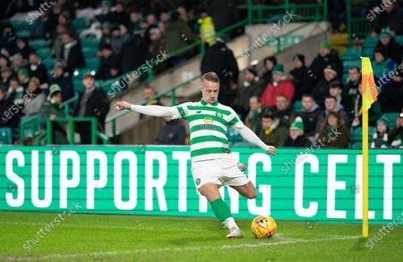 Leigh Griffiths of Celtic takes a corner kick.
