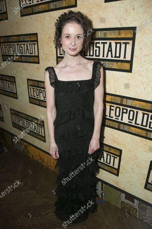 Faye Castelow (Gretl)