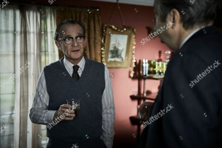 Stock Photo of Anton Lesser as Chief Super Reginald Bright and Roger Allam as Fred Thursday.