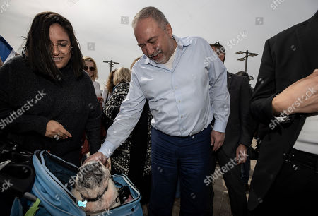 Avigdor Lieberman, leader of the Yisrael Beiteinu, party, meets people during election campaign tour in a shopping mall in the Port city of Ashdod, Israel