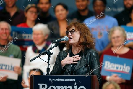 Actress Susan Sarandon addresses the crowd before Democratic presidential candidate Sen. Bernie Sanders, I-Vt., arrives to speak at a campaign event in Durham, N.C
