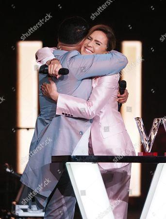 Slimane Nebchi and Vitaa win original song of the year for 'Ca va, ca vient'