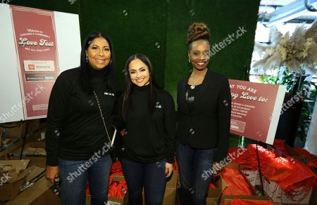 Cookie Johnson, Mia Wright, Kia McWhorter. NBWA Vice-President and Director Cookie Johnson left, NBWA President and Director Mia Wright and Analyst ñ Multicultural Business Alliance & Strategy for Toyota Motor North America Kia McWhorter are seen at the NBWA NBA All-Star Weekend Community Love Fest presented by Toyota on in Chicago