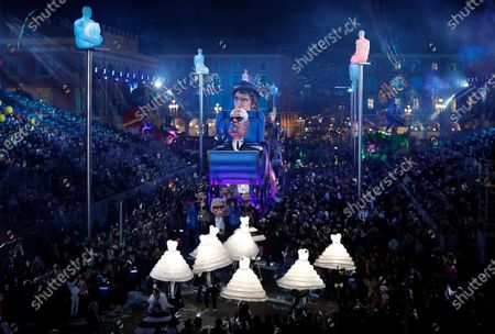 A float of French designer Coco Chanel and late German designer Karl Lagerfeld makes its way through the crowd during the 136th annual Carnival parade, in Nice, France, 15 February 2020. The carnival runs from 15 to 29 February 2020, under the main theme 'King of Fashion'.