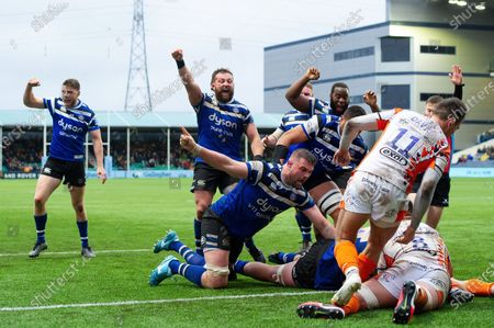 Stock Picture of Rhys Priestland, Tom Dunn, Elliott Stooke and Beno Obano of Bath Rugby celebrate a try from team-mate Josh McNally