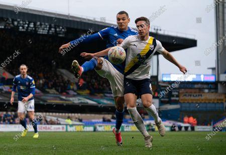 Kayden Jackson of Ipswich Town and Alex Rodriguez Gorrin of Oxford United