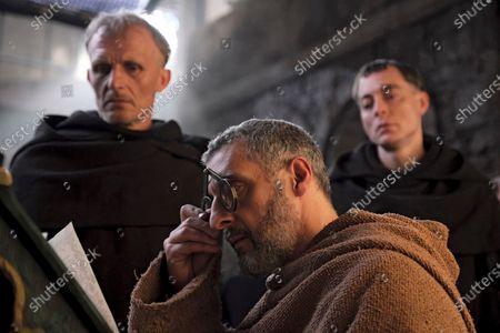 Richard Sammel as Malachi, John Turturro as William of Baskerville and Maurizio Lombardi as Berengar