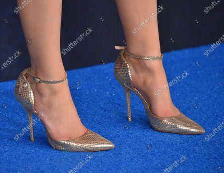 Kimiko Glenn, shoe detail