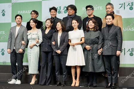 Lee Sun-kyun, Jang Hye-jin, Park So-dam, Kwak Sin-ae, Cho Yeo-jeong, Lee Jung-eun, Park Myung-hoon, Yang Jin-mo, Kang-Ho Song, Bong Joon-Ho, Jin Won Han and Yang Jin-mo