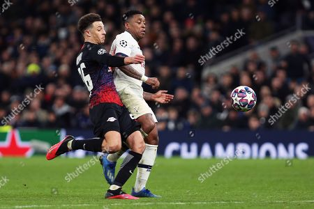 RB Leipzig defender Ethan Ampadu and Tottenham Hotspur forward Steven Bergwijn chase the ball during the Champions League match between Tottenham Hotspur and Leipzig at Tottenham Hotspur Stadium, London, United Kingdom on 19 February 2020.