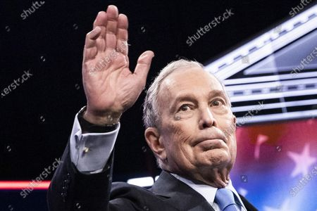 Democratic Presidential candidate, former NYC Mayor Michael R. Bloomberg, waves at the crowd at the start of the ninth Democratic presidential debate at the Paris Theater in Las Vegas, Nevada, USA, 19 February 2020.