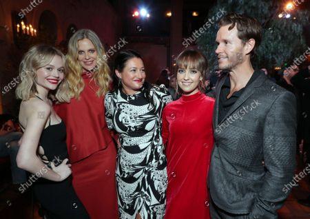 Emily Alyn Lind, Kristin Bauer van Straten, Showrunner and Exec. Producer Raelle Tucker, Siobhan Williams and Ryan Kwanten