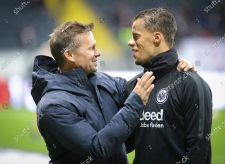 Salzburg's head coach Jesse Marsch (L) chats with Frankfurt's Timothy Chandler (R)  before the UEFA Europa League round of 32, first leg soccer match between Eintracht Frankfurt and FC Salzburg in Frankfurt Main, Germany, 20 February 2020.