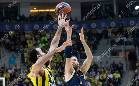 Real Madrid's Rudy Fernandez (R) in action against Fenerbahce's Luigi Datome (L) during the Euroleague basketball match between Fenerbahce and Real Madrid in Istanbul, Turkey 20 February 2020.