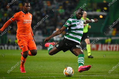 Yannick Bolasie of Sporting Lisbon and Demba Ba of Istanbul Basaksehir