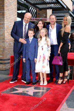 Dr Phil McGraw, London McGraw, Robin McGraw, Avery Elizabeth McGraw, Jay McGraw and Nicole Dahm
