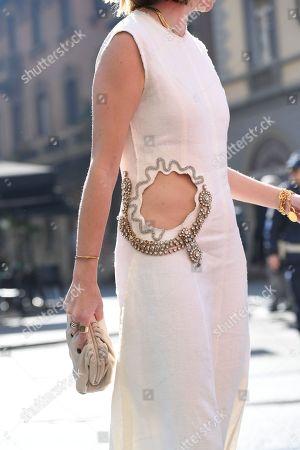 Lisa Aiken, clothes detail
