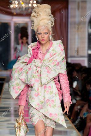 Marjan Jonkman on the catwalk