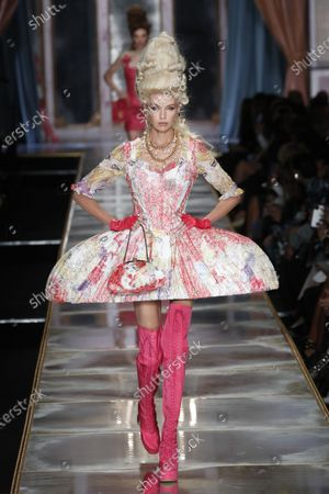 Stock Photo of Stella Maxwell on the catwalk