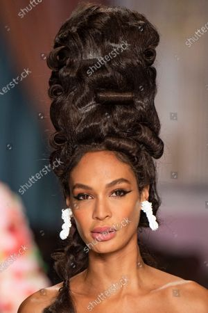 Joan Smalls on the catwalk, hair detail, jewellery detail